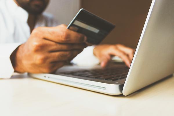 Online vs Local Retailers