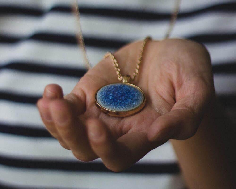 Pendant Necklaces - Pop of Colour