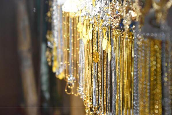 Research guides to buying gold jewellery