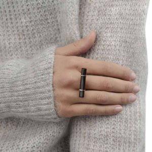 Ring - URBAN BAR RING  Black Onyx