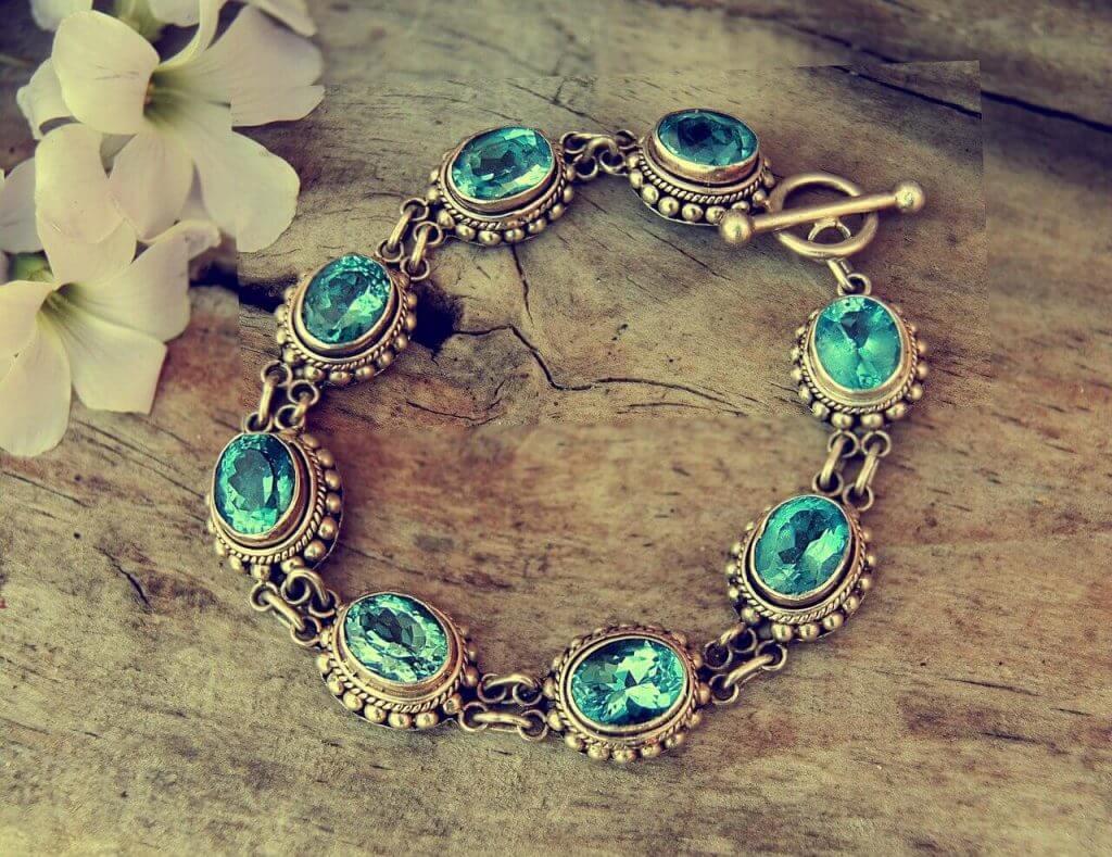This Evergreen Bracelet